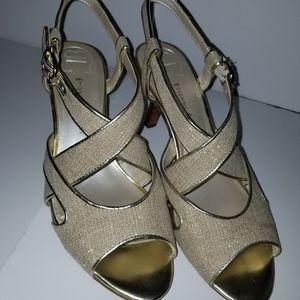 NNIB Etienne Aigner gold fleck strappy heels